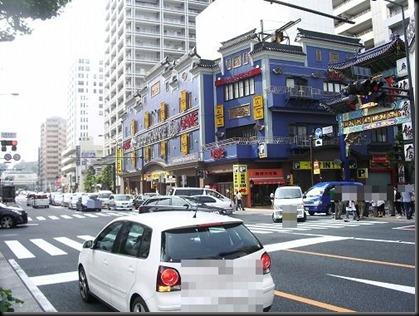 横浜の元町を「F1マシン」が走る