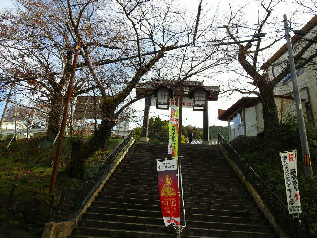 長谷寺駅前の階段